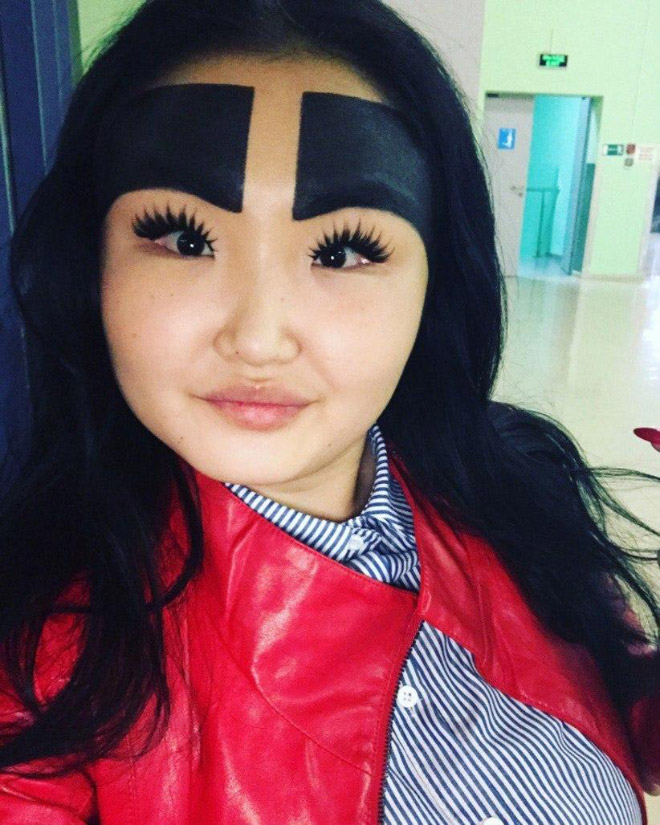 russian fashion blogger conquers social media with her huge eyebrows