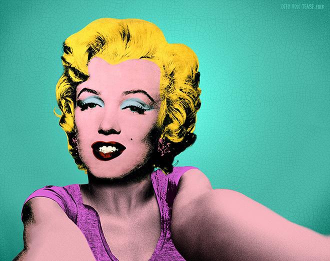 Marilyn Monroe selfie.
