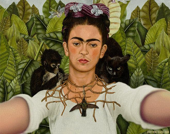 Frida Kahlo selfie.