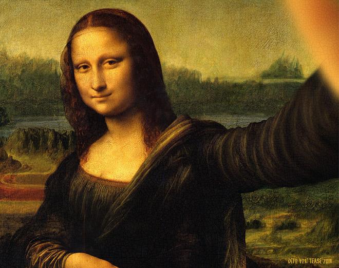 Mona Lisa selfie.