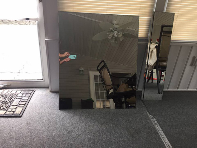 Funny mirror selling photo.