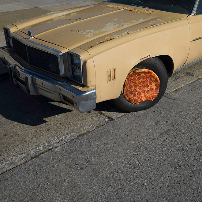 Pizza wheel.