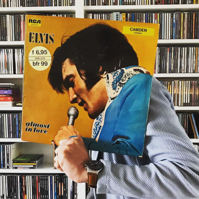 Great example of Sleeveface meme.
