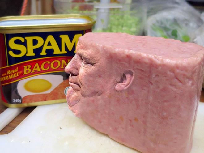 When Trump meets Photoshop...