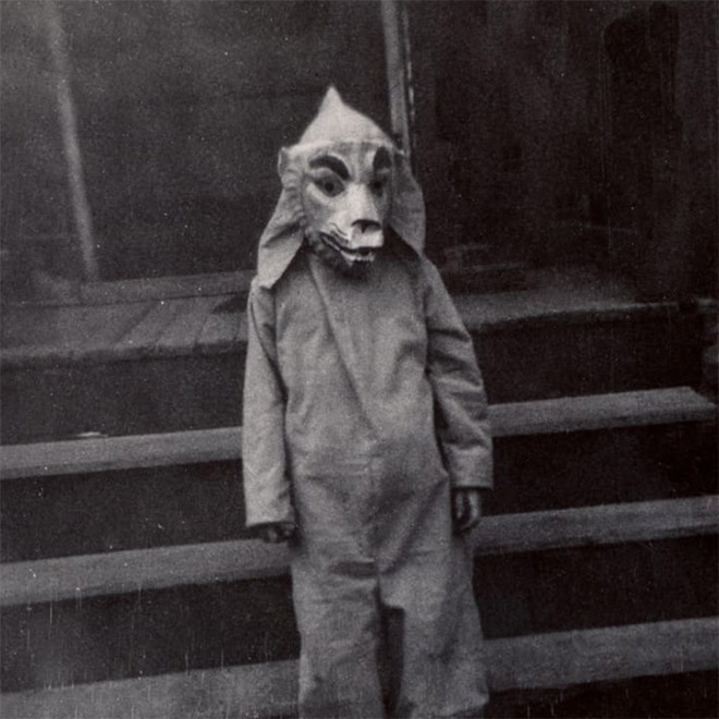 Creepy vintage halloween costume.