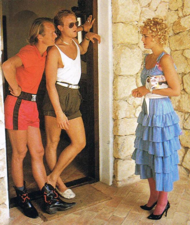 Awkward 1970s male fashion.