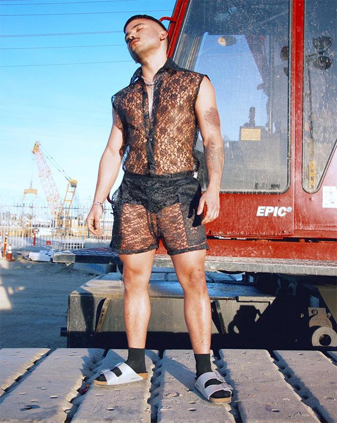 Men's lace shorts Summer fashion crime.