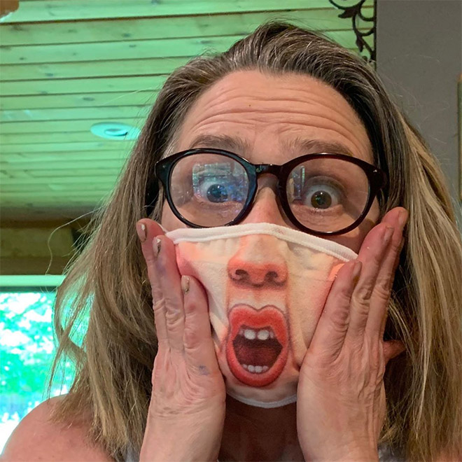 https://sadanduseless.b-cdn.net/wp-content/uploads/2020/07/funny-covid-masks1.jpg