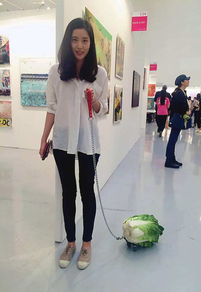 Vegans love to take their pets for a walk.