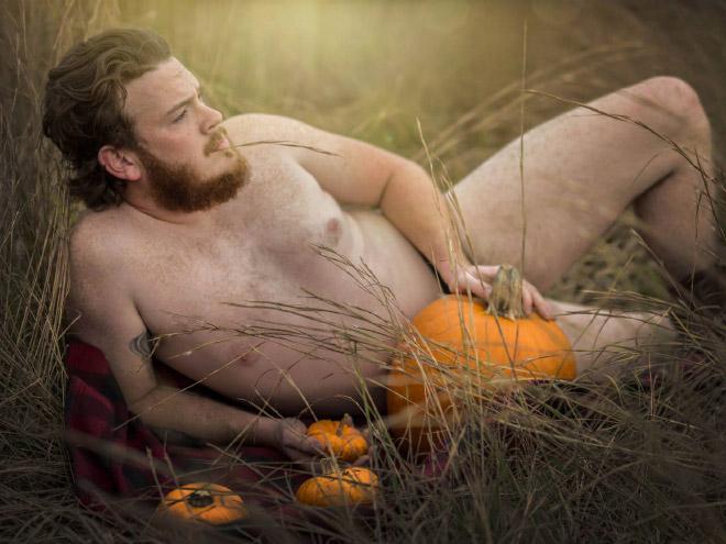 Beautiful, sensual Halloween photoshoot picture.