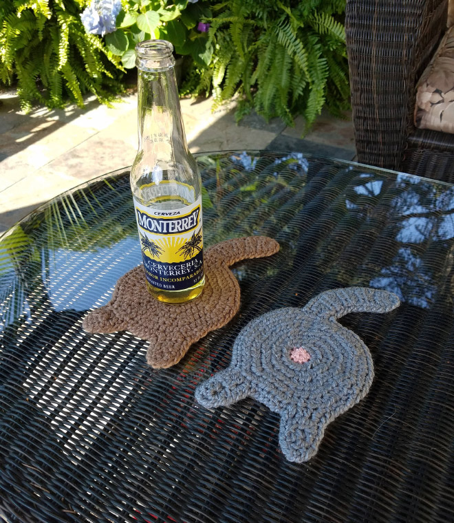Funny cat butt beer coasters.