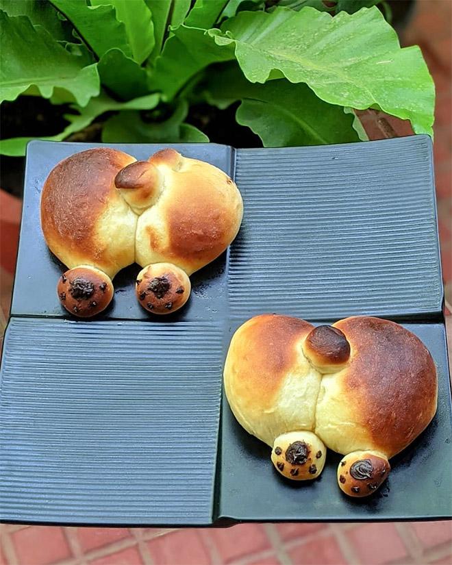 Corgi butt bread.