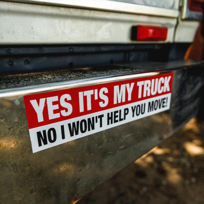 Signe de camion drôle.